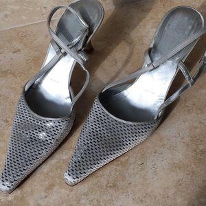 ST. John slingback pointy toe heel 8 1/2 B